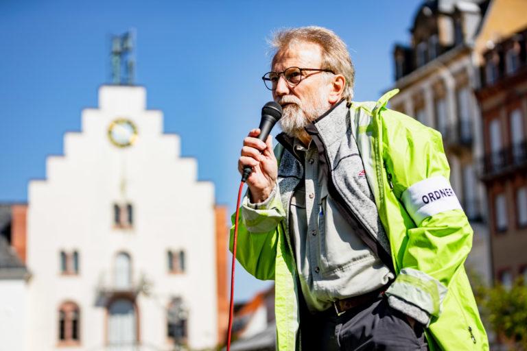 Joerg Farys // DIE.PROJEKTOREN
